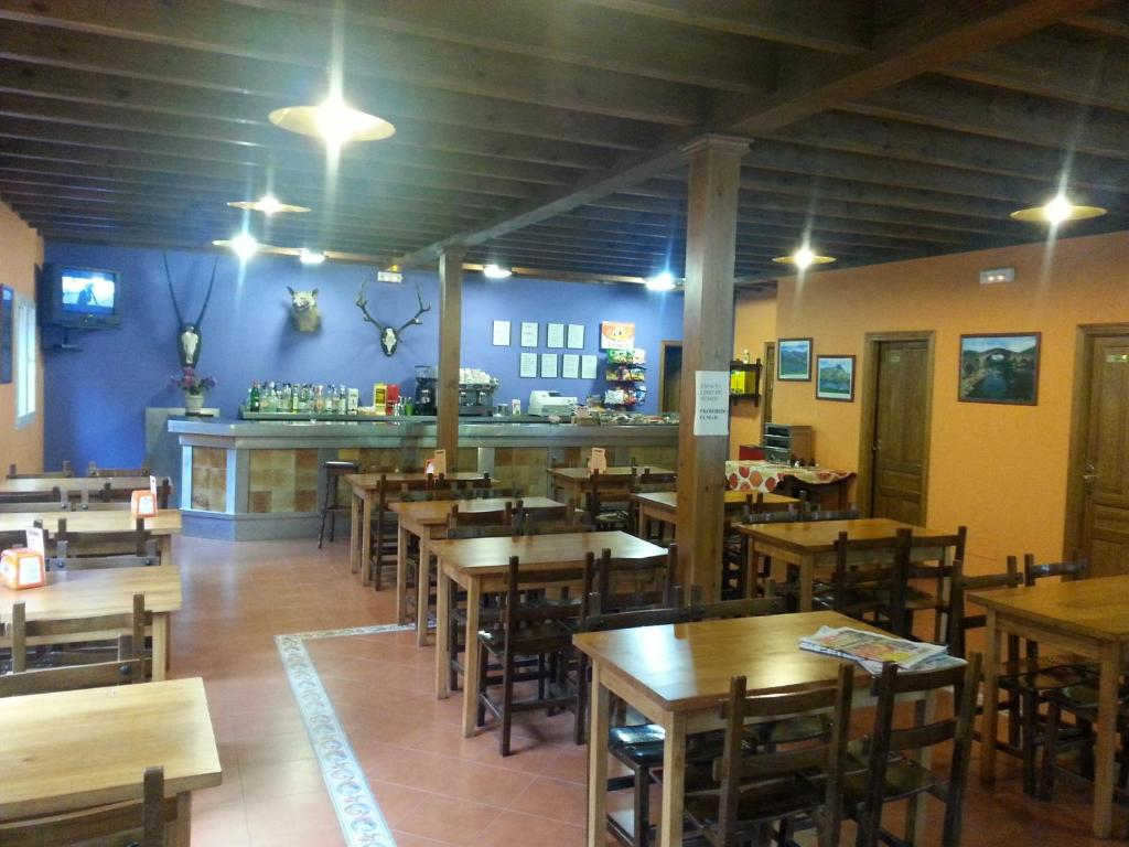 A restaurant or other place to eat at Camping Covadonga