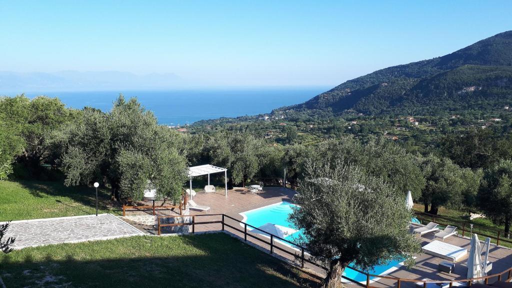 Вид на бассейн в Tenuta Terre di Bosco или окрестностях