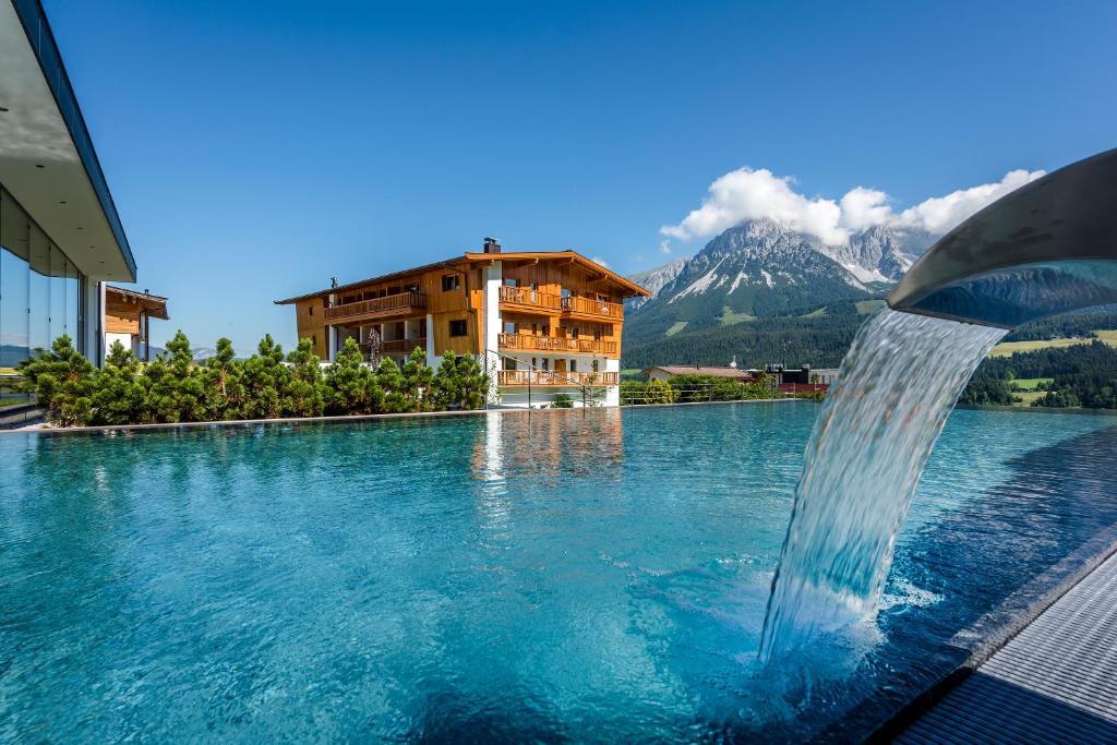 The swimming pool at or near Hotel Der Bär