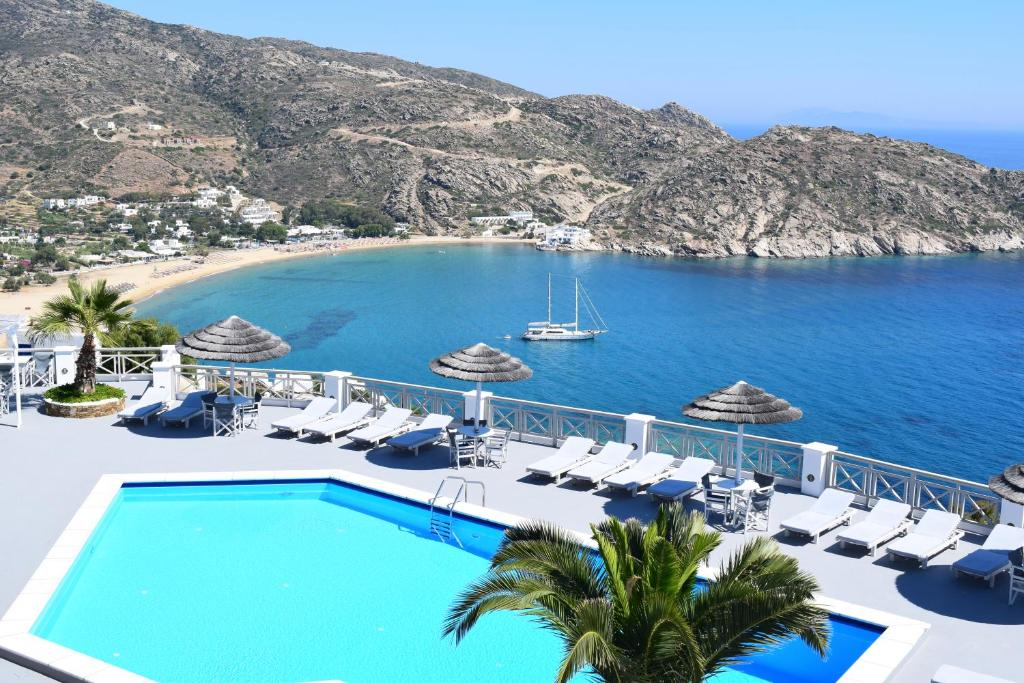 A view of the pool at Hotel Katerina or nearby