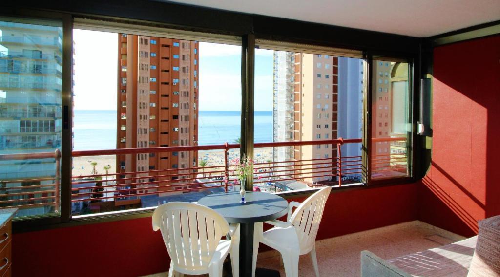 A balcony or terrace at Coblanca 7