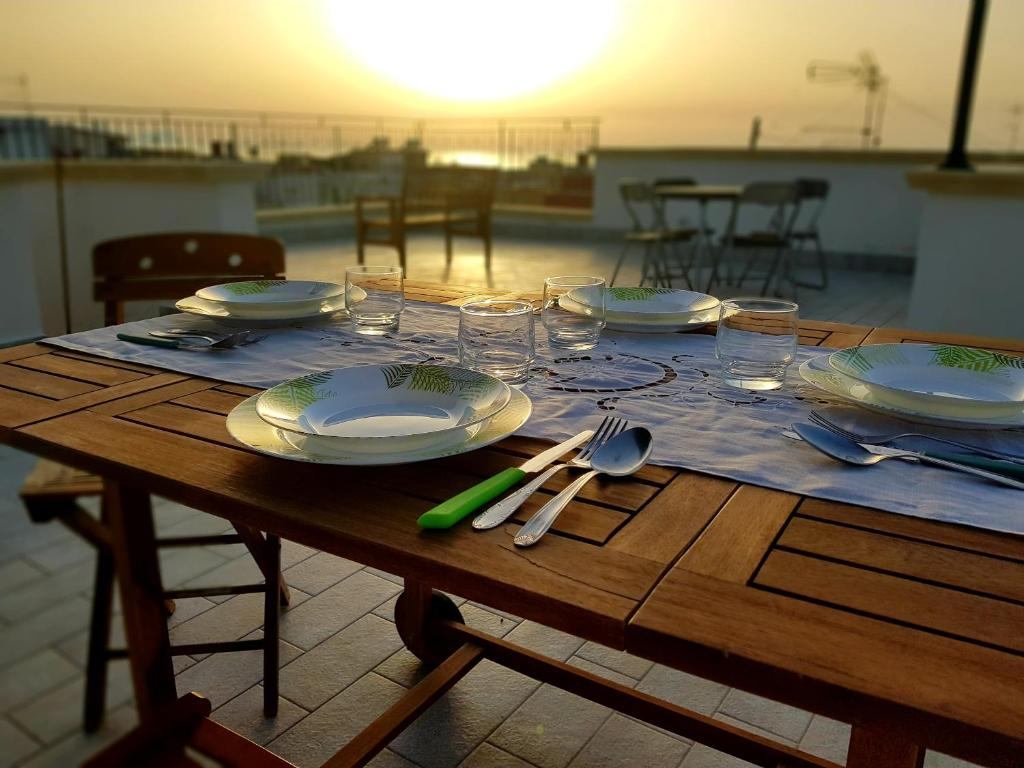 A restaurant or other place to eat at La Terrazza sul Tirreno