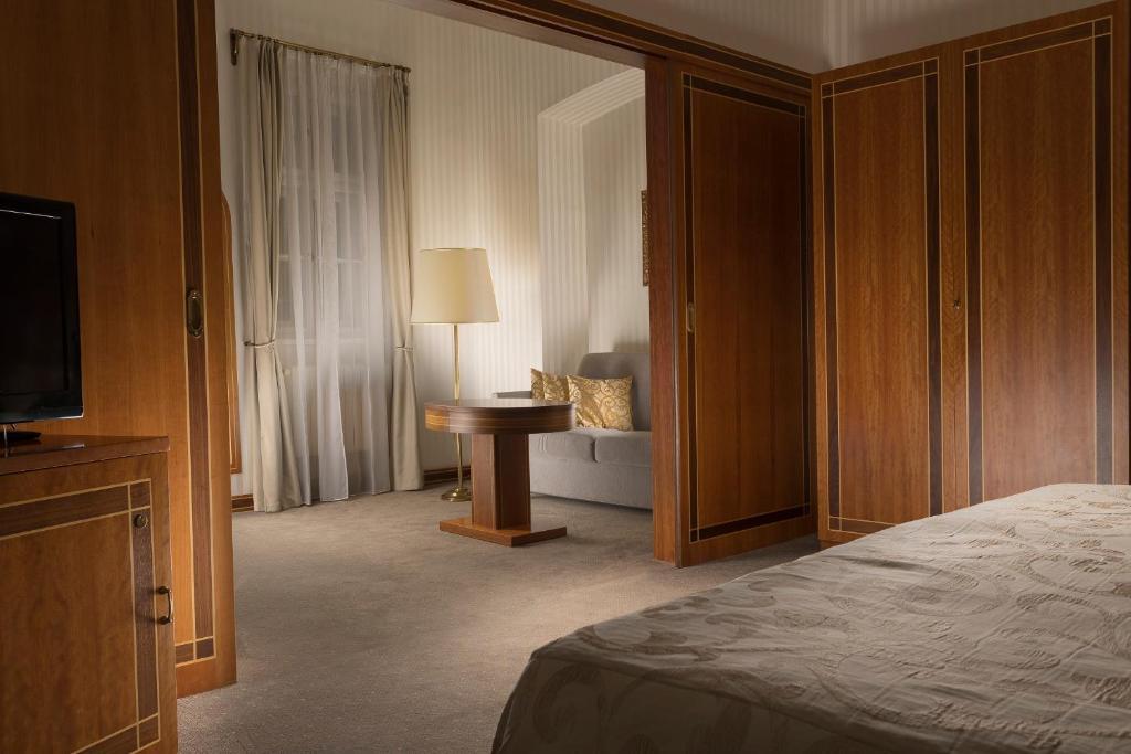 Letto o letti in una camera di Hotel Pod Věží