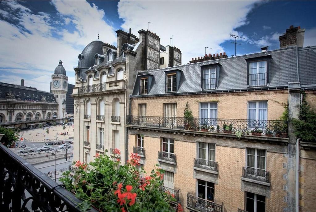 Palym Paris, France