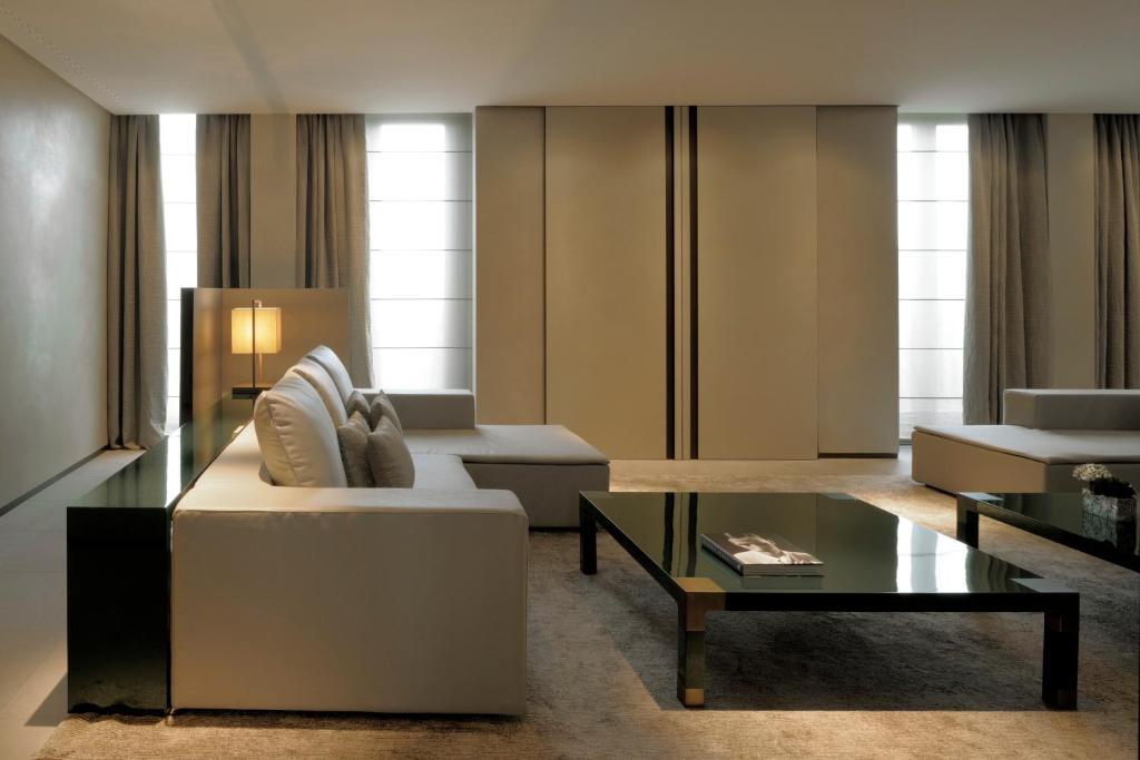 Coin salon dans l'établissement Armani Hotel Milano