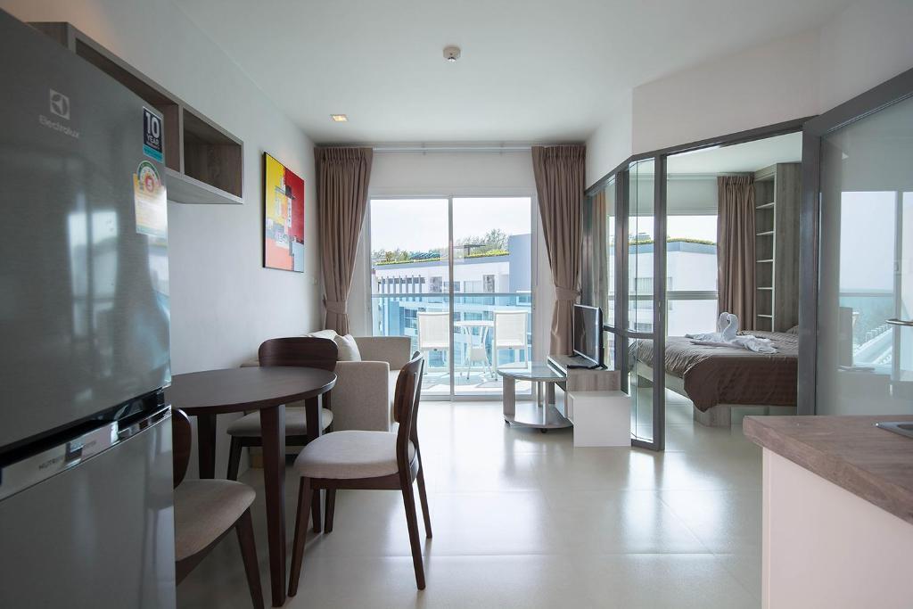 Grandblue Condominium 708