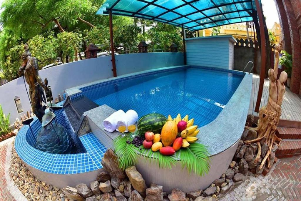 Der Swimmingpool an oder in der Nähe von Northern Breeze Hotel
