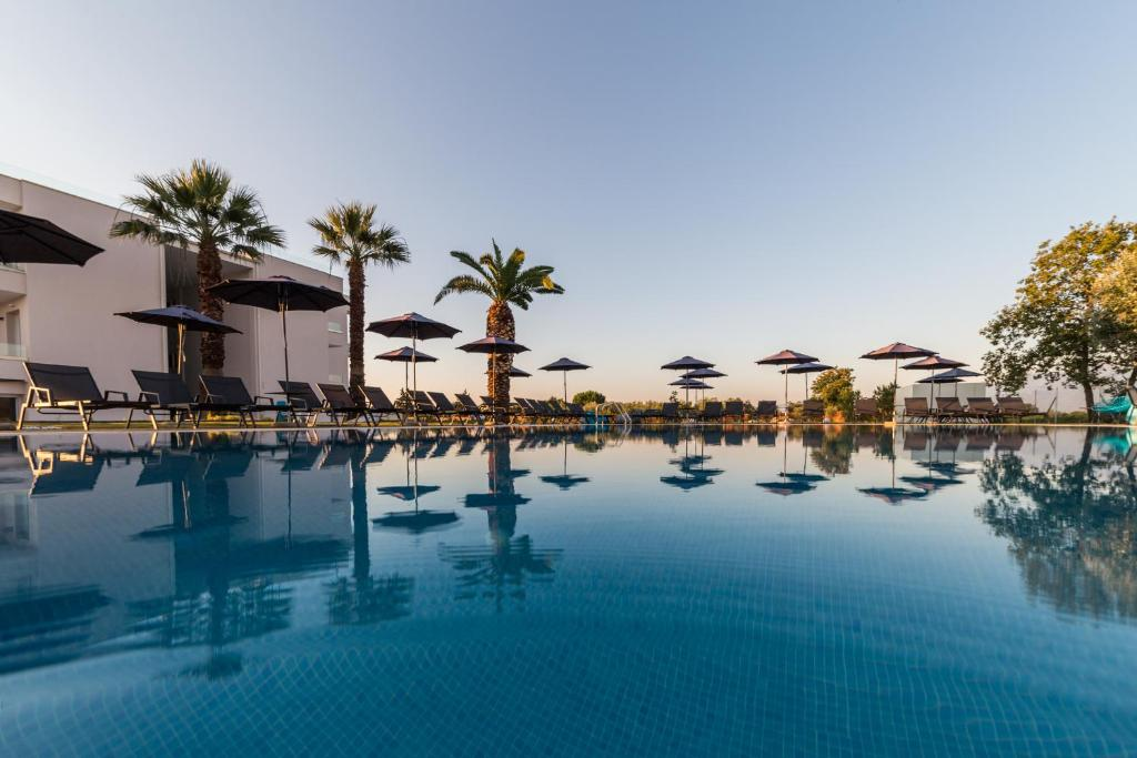Πισίνα στο ή κοντά στο Mythic Summer Hotel