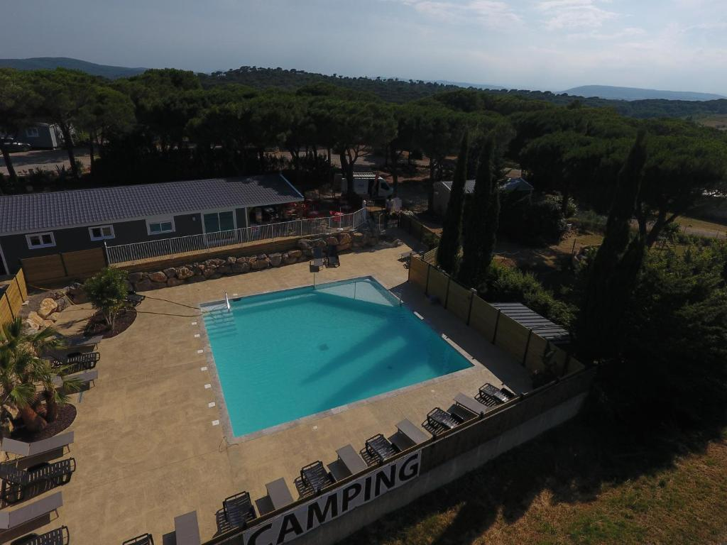 A view of the pool at Camping Figurotta or nearby
