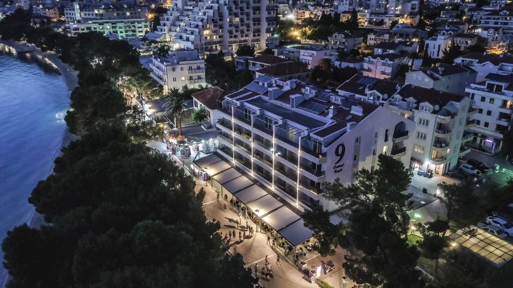 A bird's-eye view of Hotel Central Beach 9