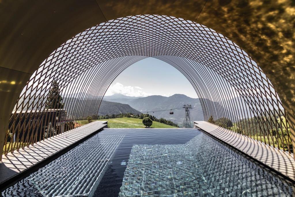 Der Swimmingpool an oder in der Nähe von Gloriette Guesthouse