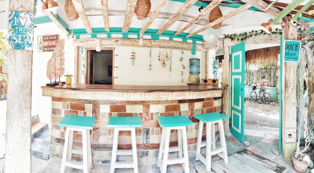 Salon ou bar de l'établissement Havana Hideaway