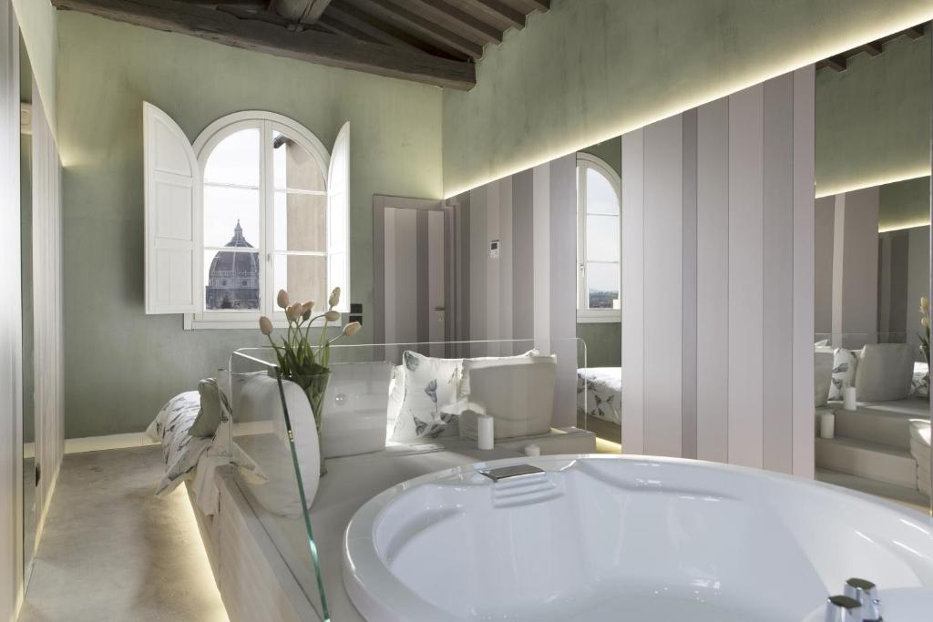Bagno di Palazzo dei Ciompi Suites