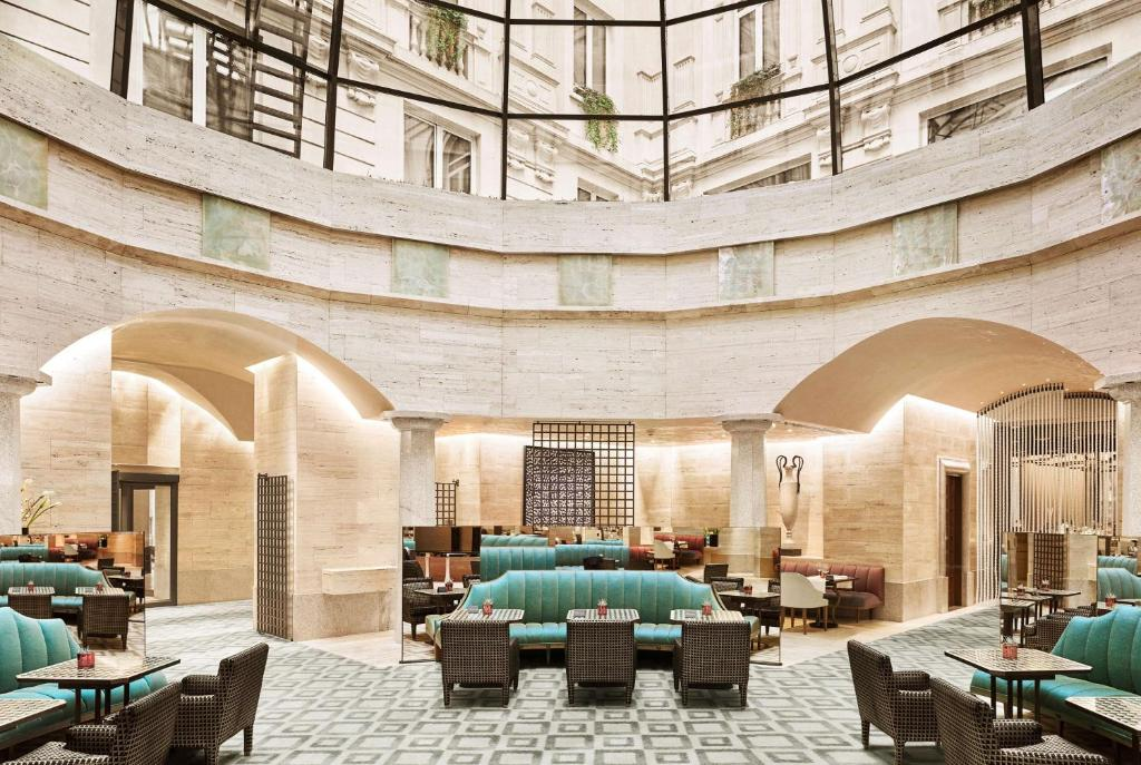 A restaurant or other place to eat at Park Hyatt Milano