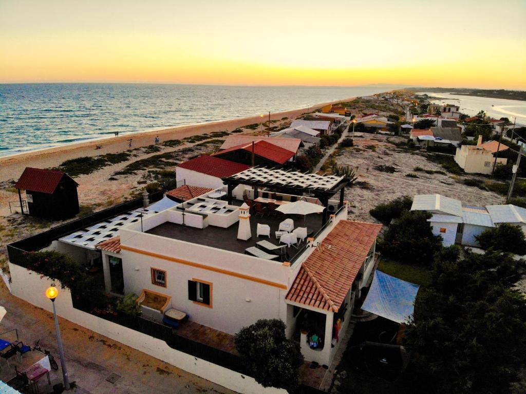 A bird's-eye view of Faro Beach House