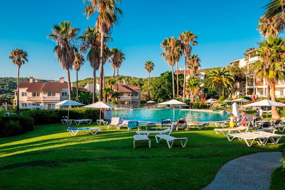 Het zwembad bij of vlak bij Aparthotel HG Jardin de Menorca