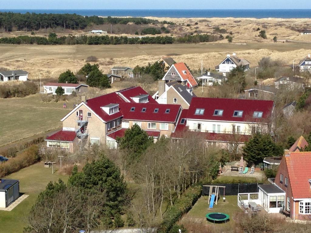 Blick auf Hotel Bos en Duinzicht aus der Vogelperspektive