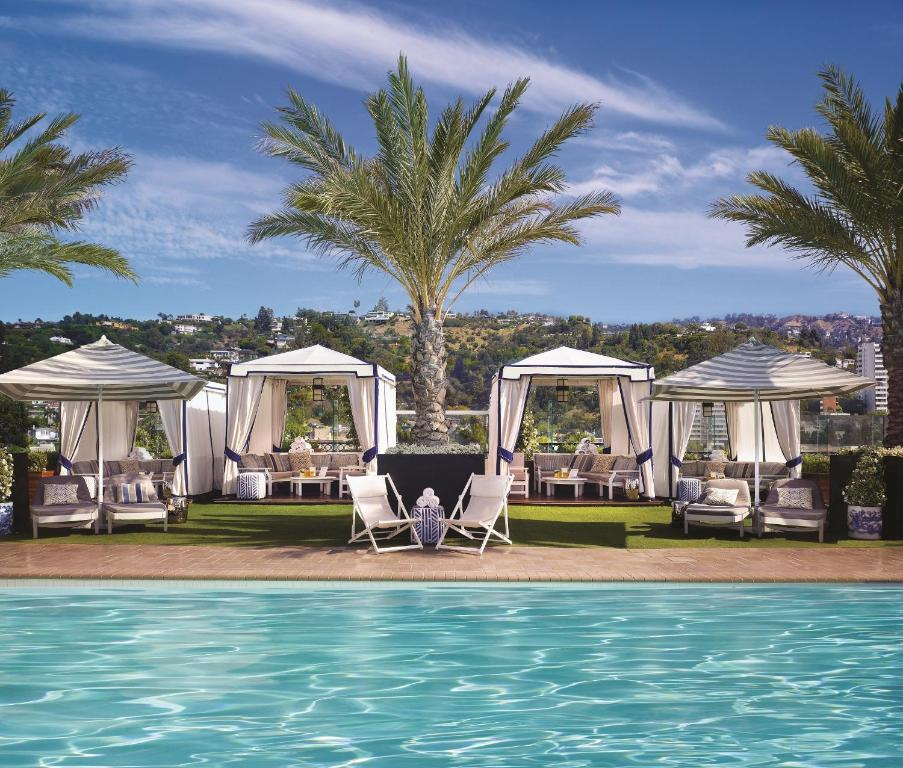 The swimming pool at or close to The London West Hollywood at Beverly Hills