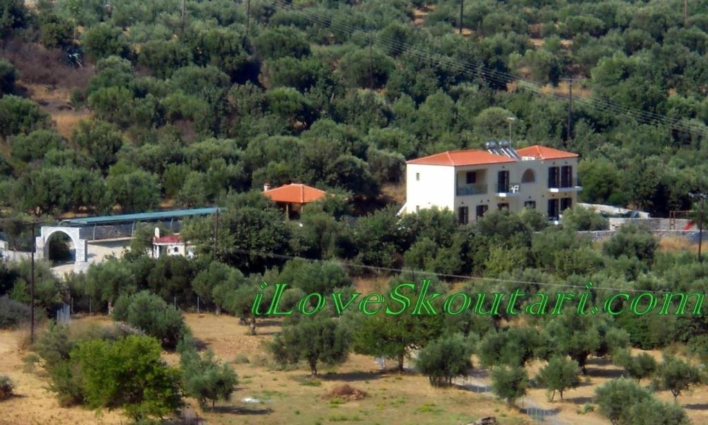 Άποψη από ψηλά του Domaine Papakonstantis Apartments To Let