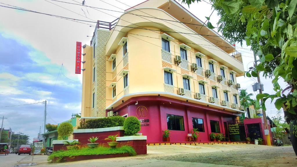 Building kung saan naroon ang hotel
