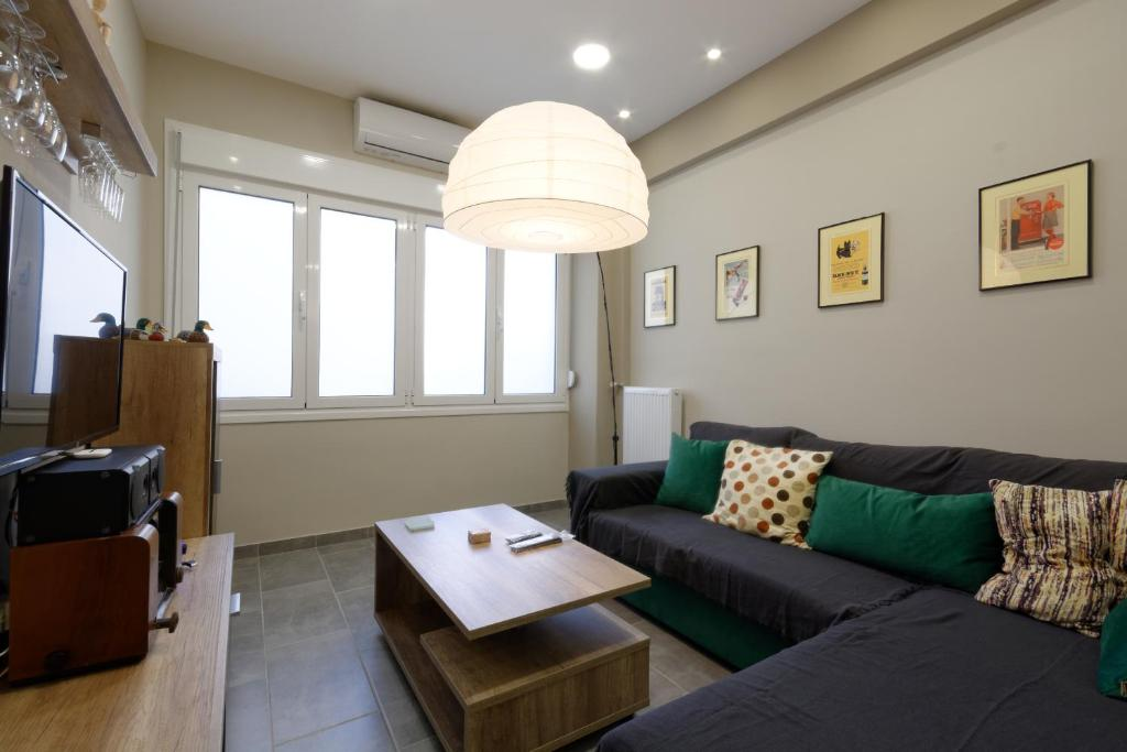 """""""ZEUS"""", STYLISH LUXURY BUSINESS SUITE in the heart of Athens."""