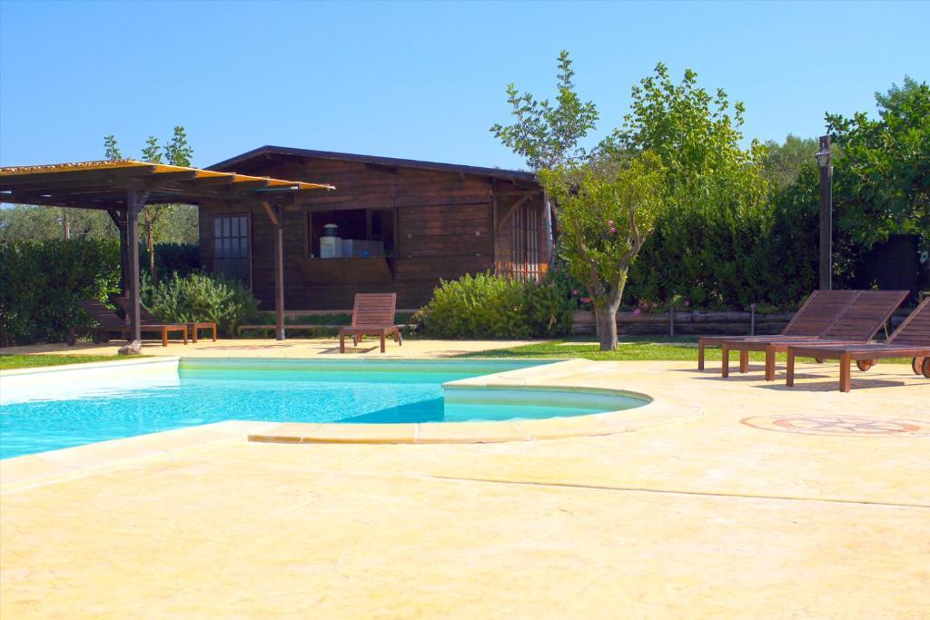 The swimming pool at or near Agriturismo Mammarella