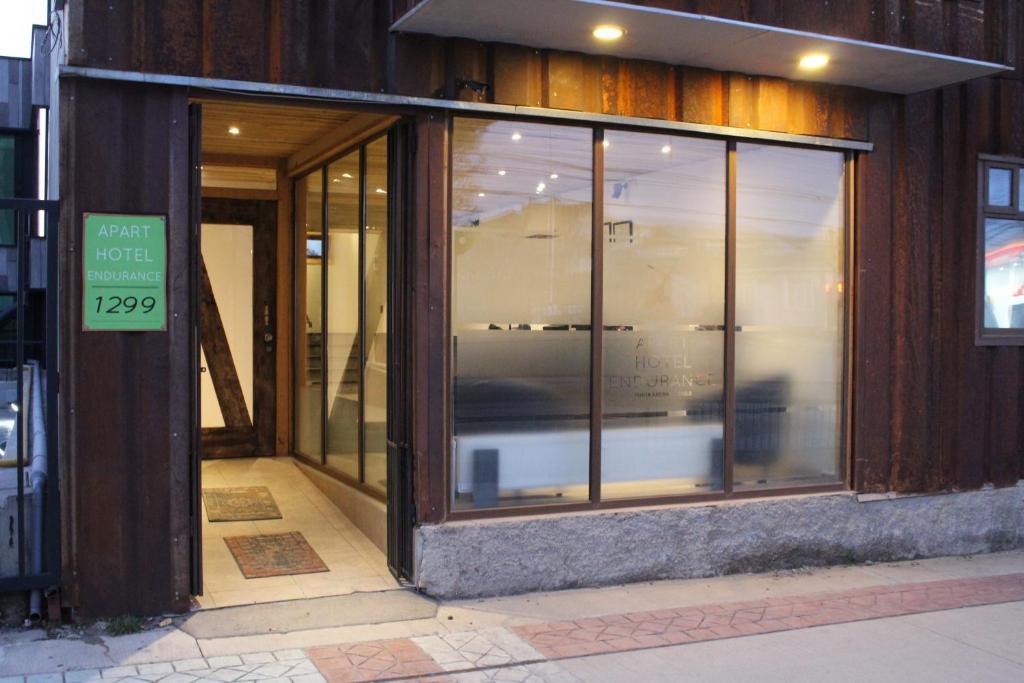 The facade or entrance of Apart Hotel Endurance
