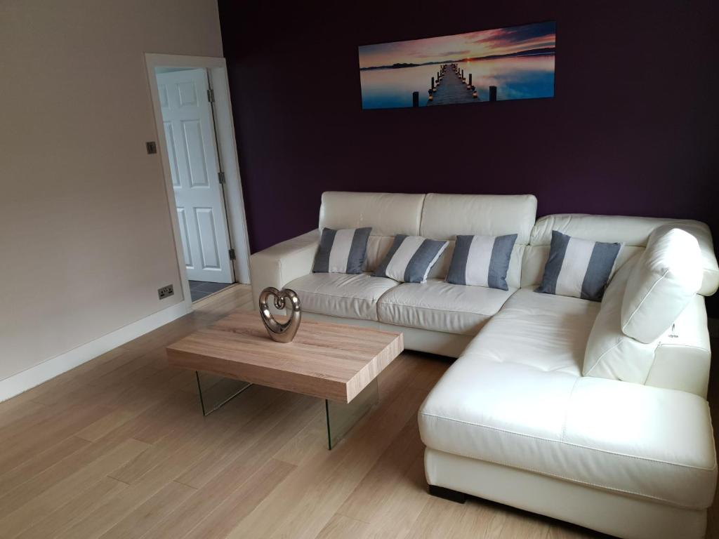 A seating area at Derwent House, Heywood close to Manchester, Free parking