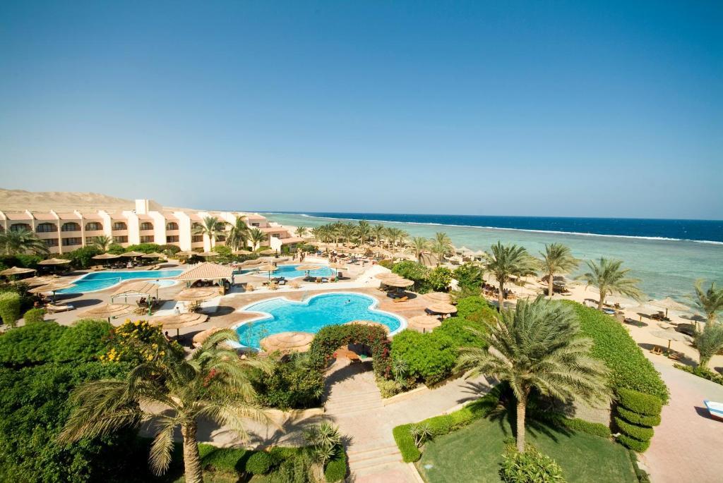 Uitzicht op het zwembad bij Flamenco Beach & Resort Quseir of in de buurt