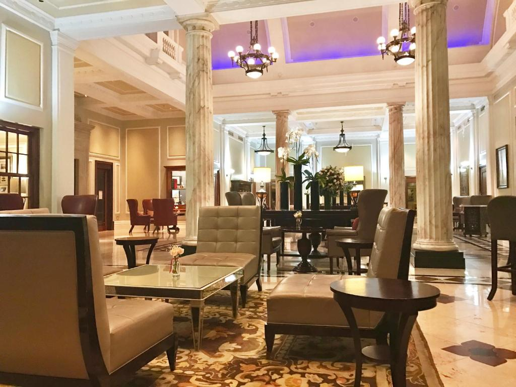 A restaurant or other place to eat at Taj HotelApart, Taj Hotel Cape Town