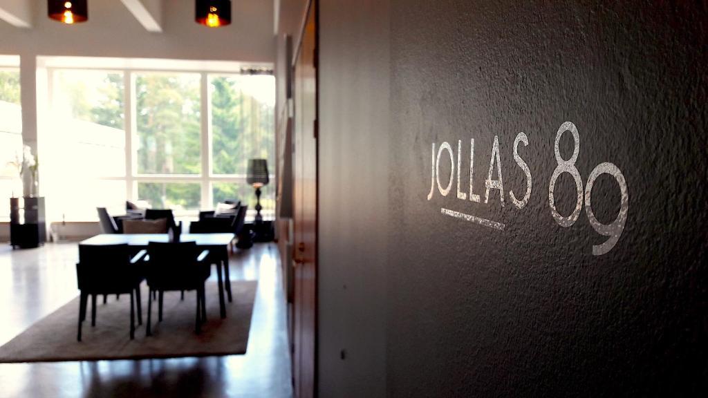 Majoituspaikan Hotel Jollas89 ravintola tai vastaava paikka