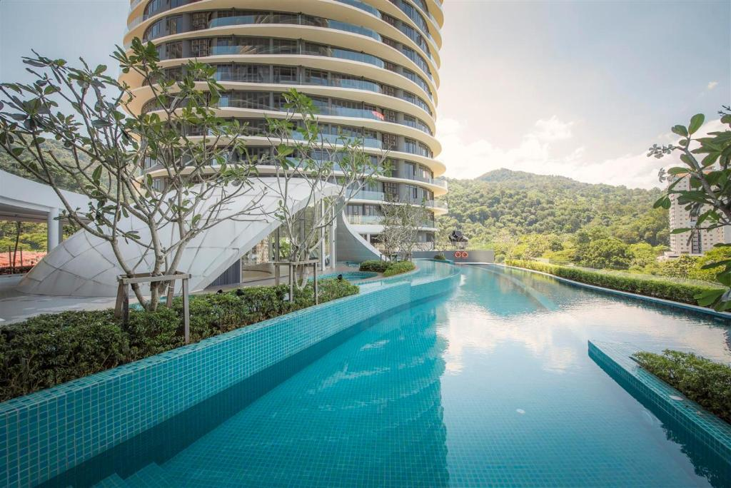The swimming pool at or close to Arte S Suite 3房式度假公寓套房
