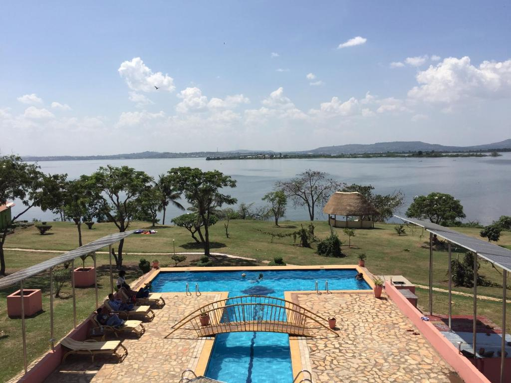 A view of the pool at Samuka Island Retreat or nearby