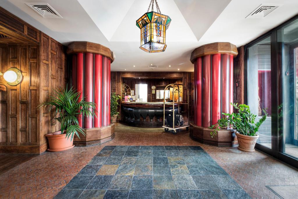 Hall ou réception de l'établissement Grand Hotel Colony