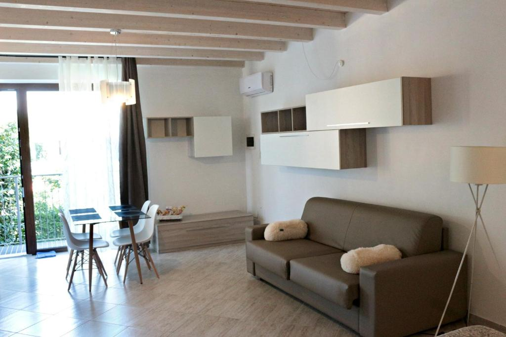 A seating area at Paradeisos Residence Sas