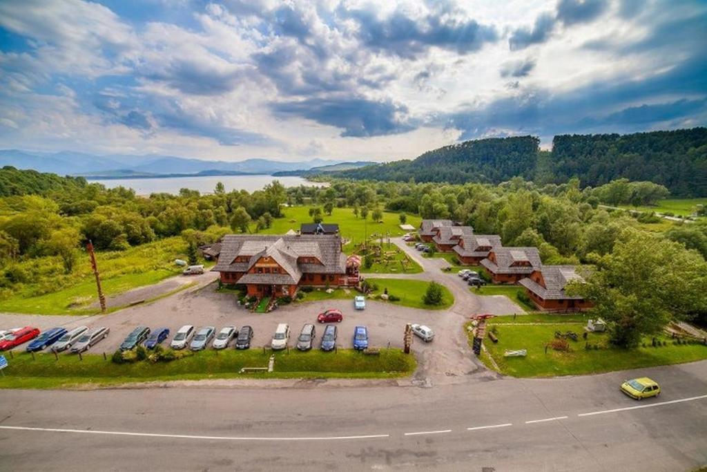Pohľad z vtáčej perspektívy na ubytovanie Hotel Koliba Greta