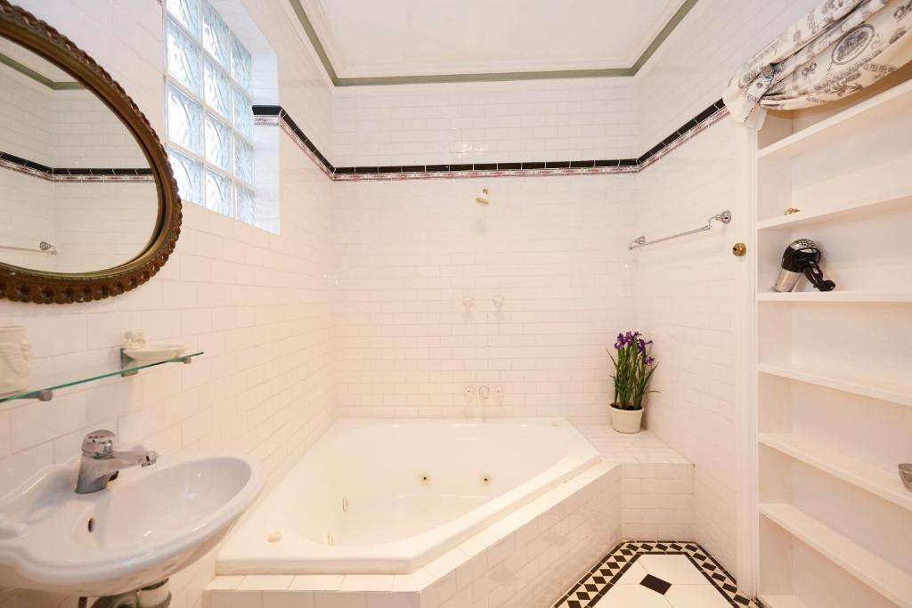 A bathroom at Pension of Perth