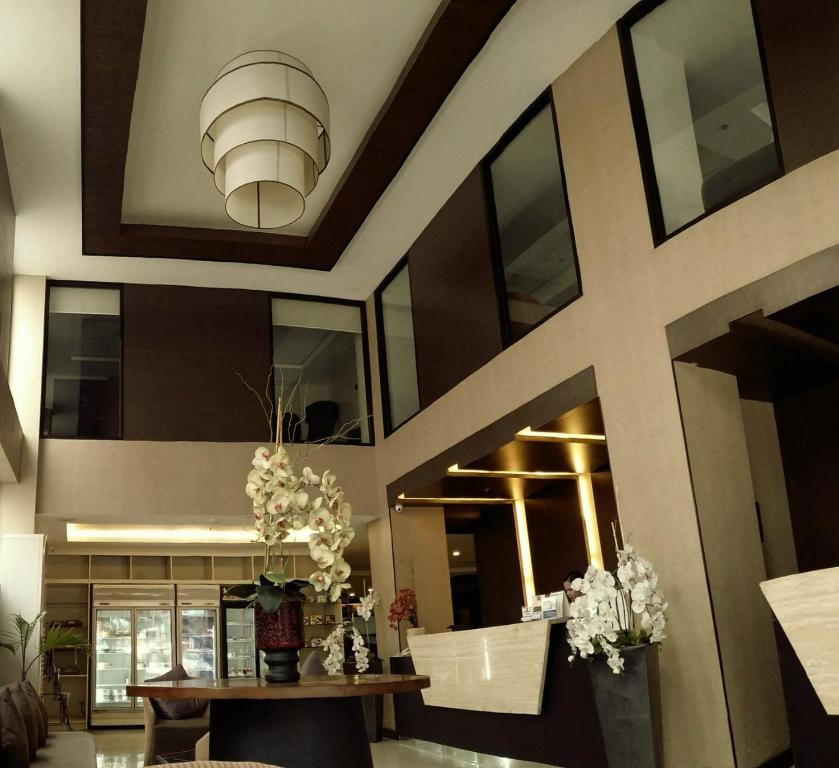 The lobby or reception area at GT Hotel Iloilo