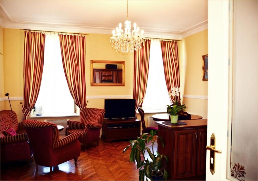Telewizja i/lub zestaw kina domowego w obiekcie Ludvig Apartment
