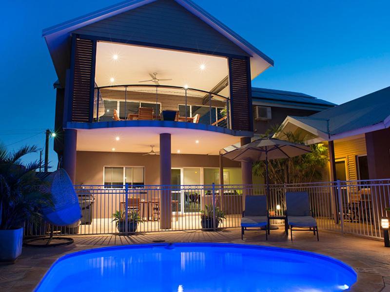 The swimming pool at or near Gecko Lodge Kalbarri