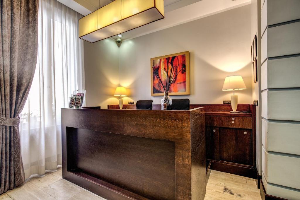 Ο χώρος του λόμπι ή της ρεσεψιόν στο Hotel Giuggioli