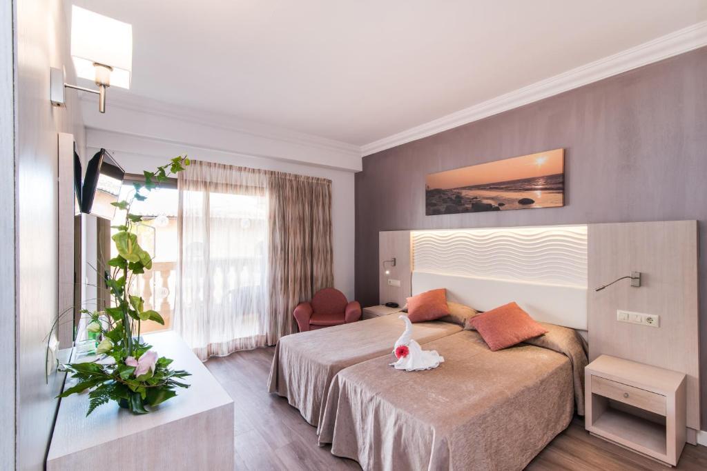 Hotel Baviera Cala Ratjada, Spain