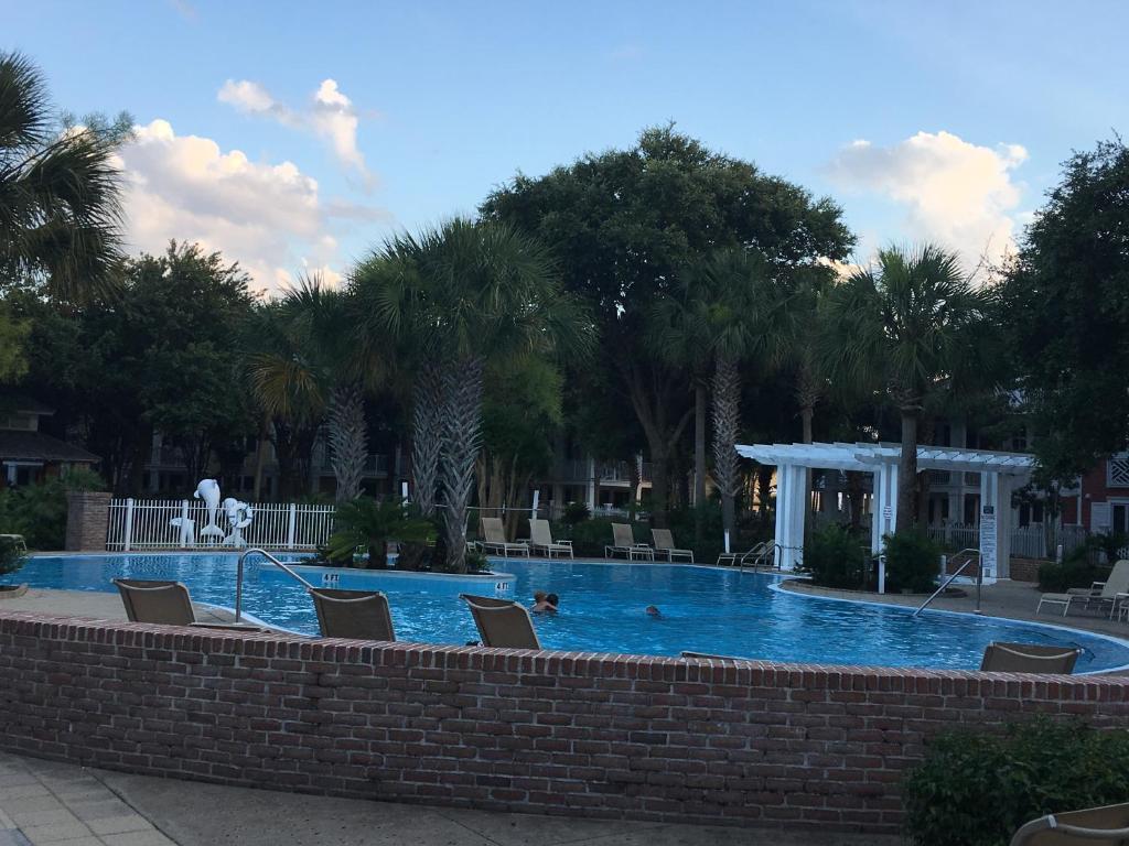 The swimming pool at or near Resort Getaway