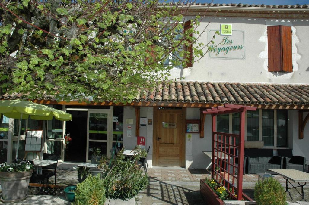 Logis Hotel Les Voyageurs Tournon-dAgenais, France