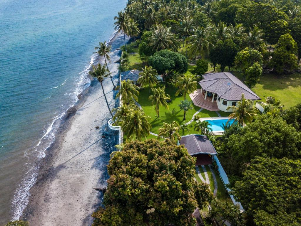 A bird's-eye view of Villa Amani Vacation Beach House