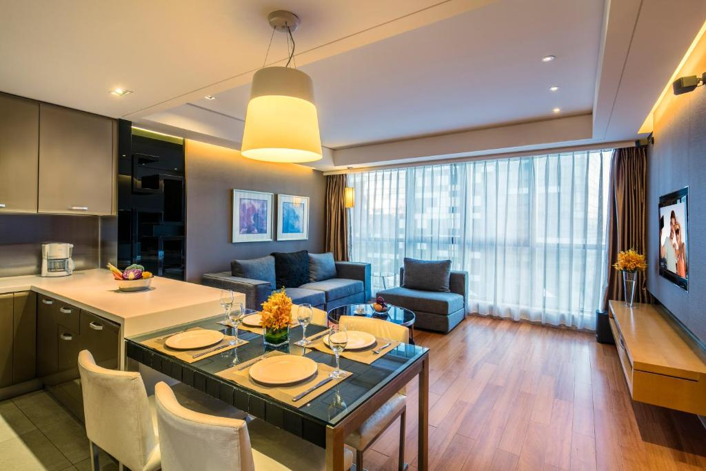 A restaurant or other place to eat at Ascott Raffles City Beijing