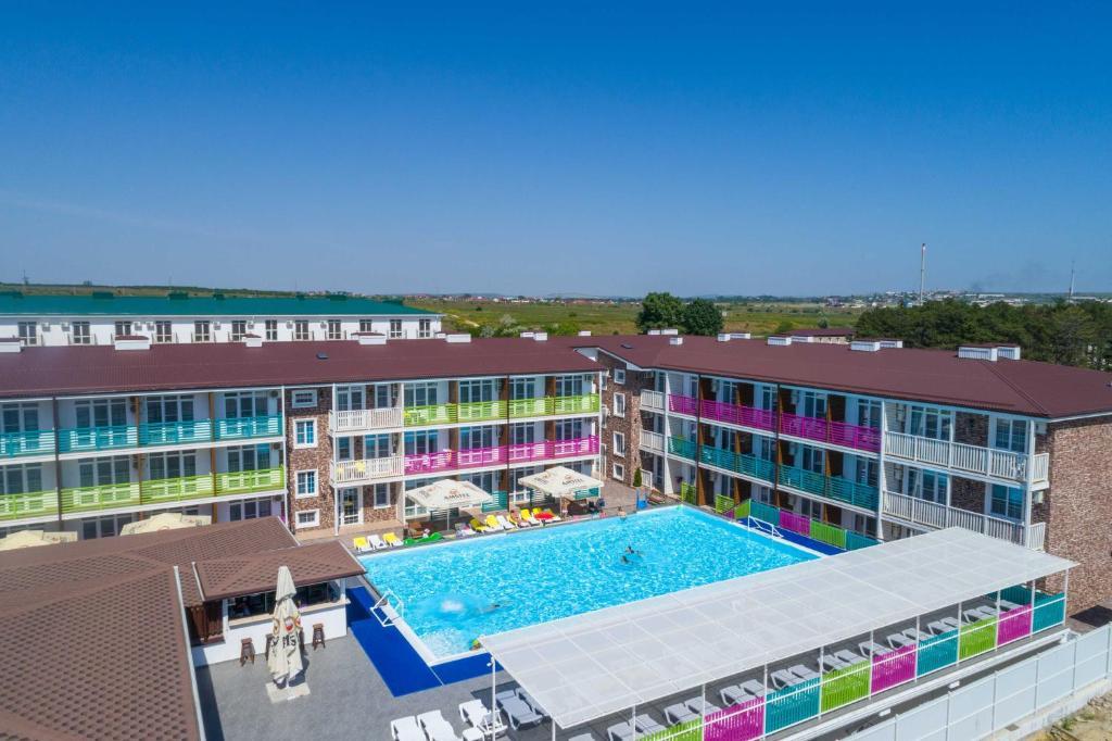 Вид на бассейн в Sea Breeze Resort или окрестностях
