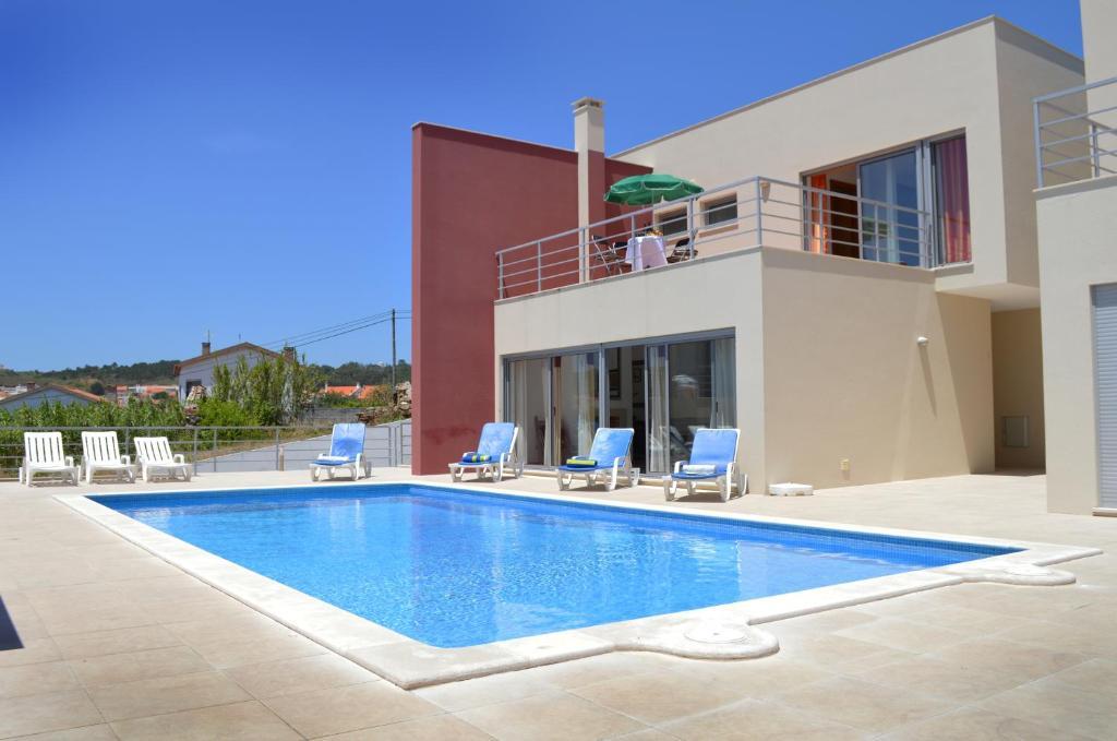 The swimming pool at or near Villa Lagoa