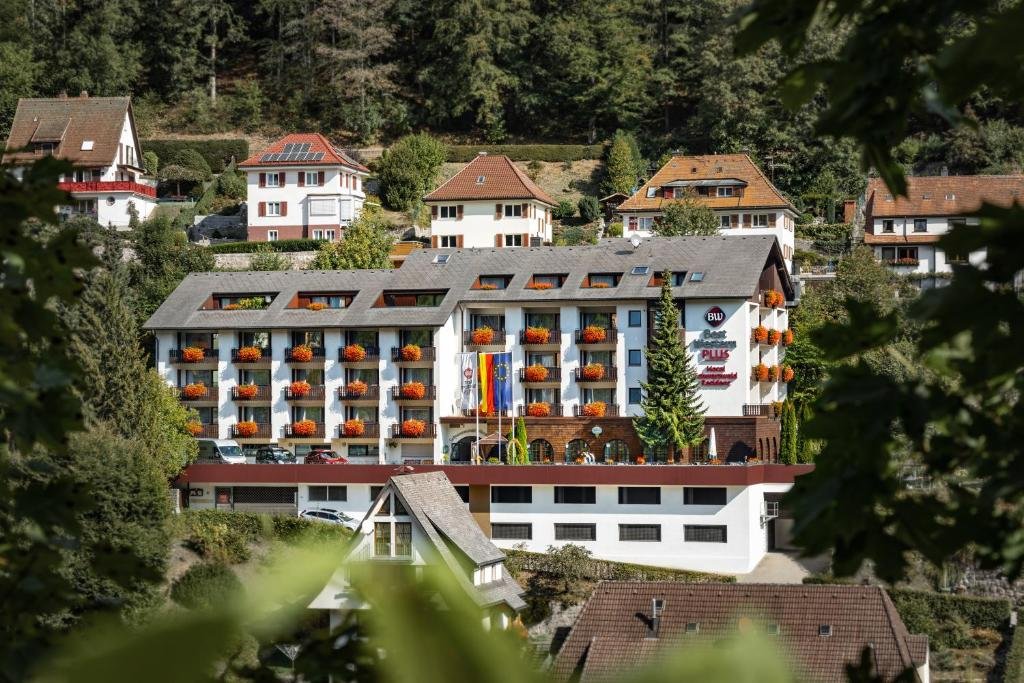 A bird's-eye view of Best Western Plus Schwarzwald Residenz
