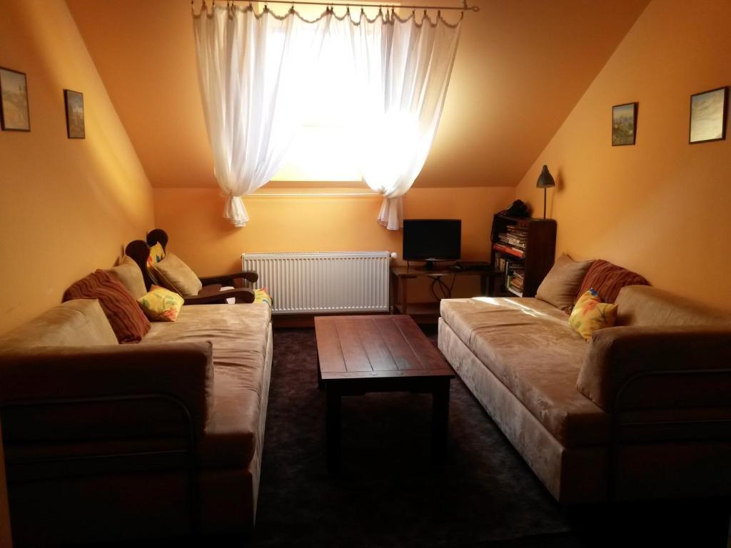 A seating area at Relax Apartmán Buštěhrad